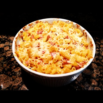 ... bacon and cheddar cheese crust macaroni and cheese with veggie bacon