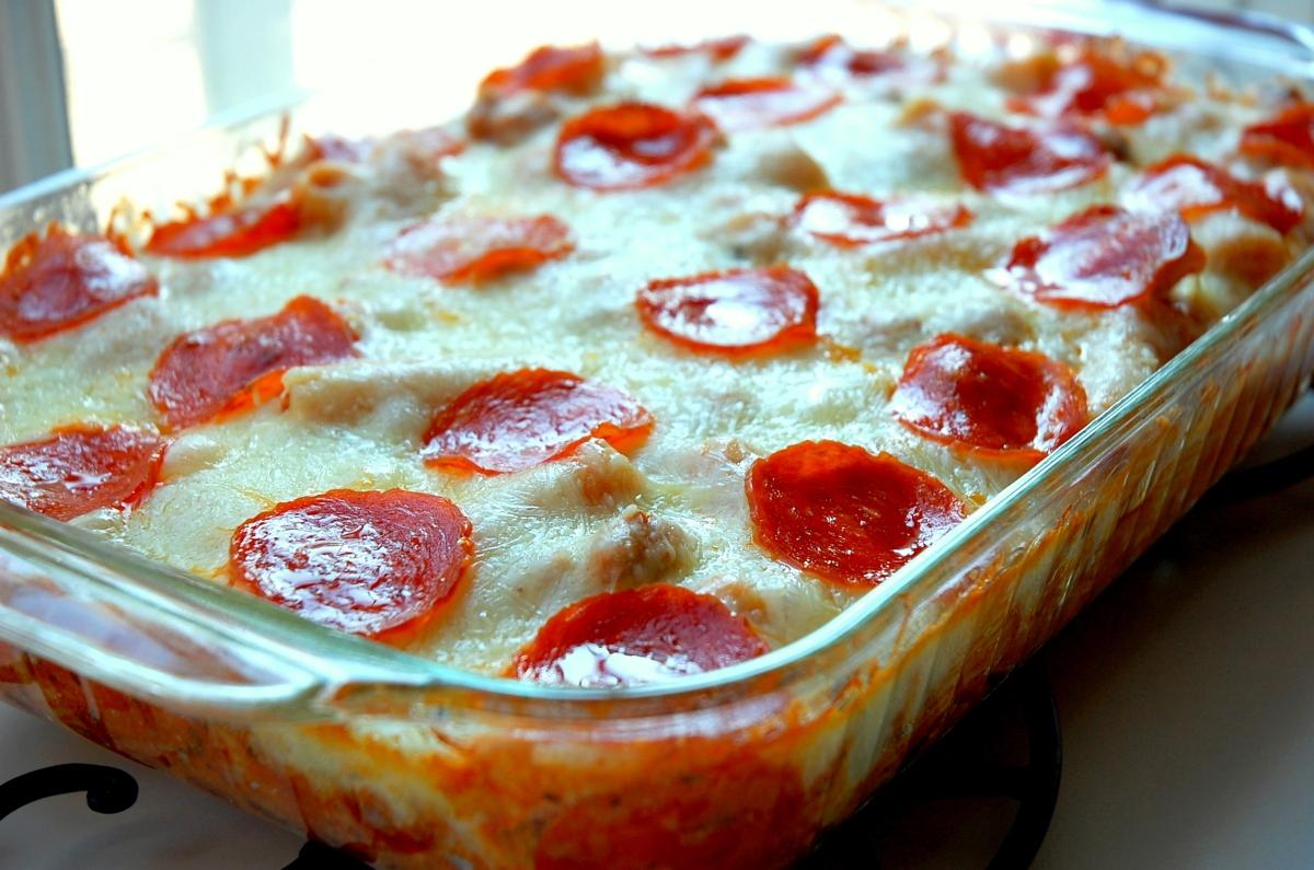 Pepperoni Pizza Casserole Om Nom Nom Eats Amp Treats
