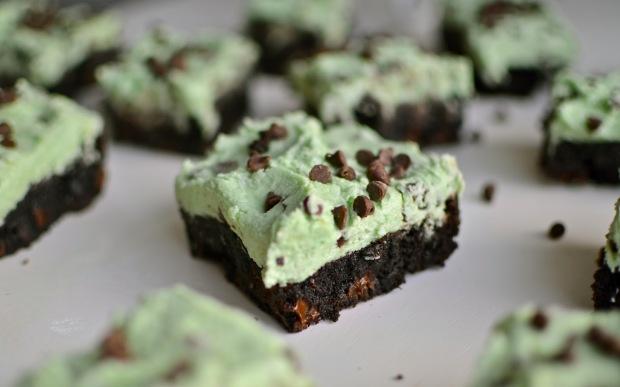 Mint Chocolate Chip Cheesecake Brownies